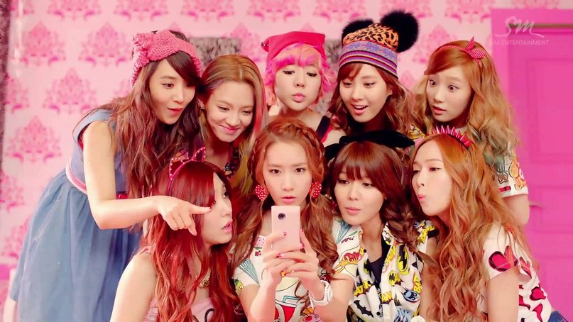 Dancing Queen Girls' Generation (SNSD)